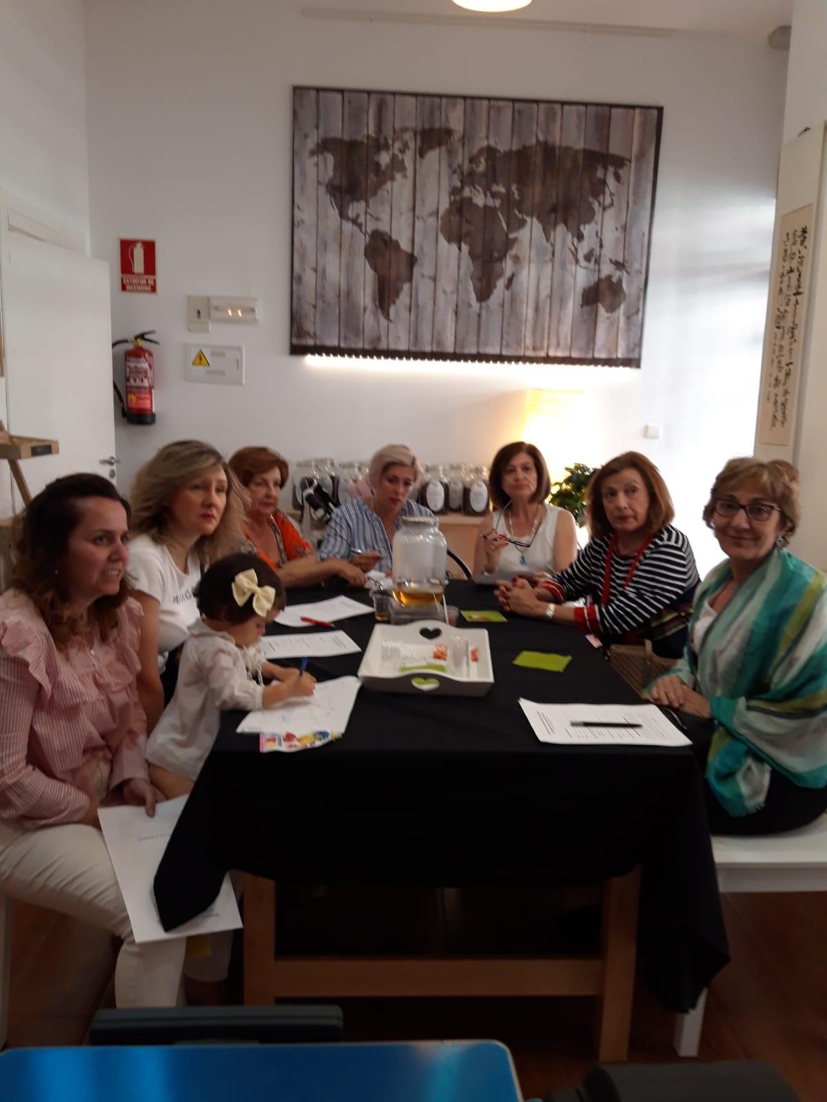 Momentos de la reunión en Tiendas Bonisimo