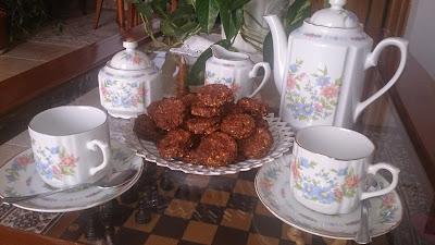 Galletitas de avena y dátiles ideales a la hora del té.