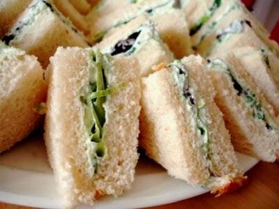 Sándwich de Queso crema y Pepino